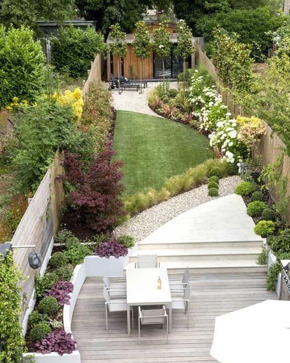 Narrow garden with gym