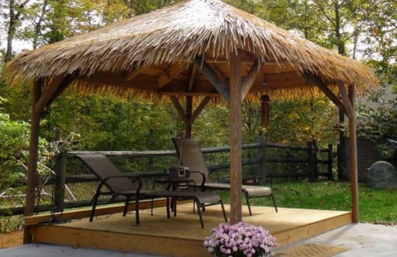 A thatched relaxation space
