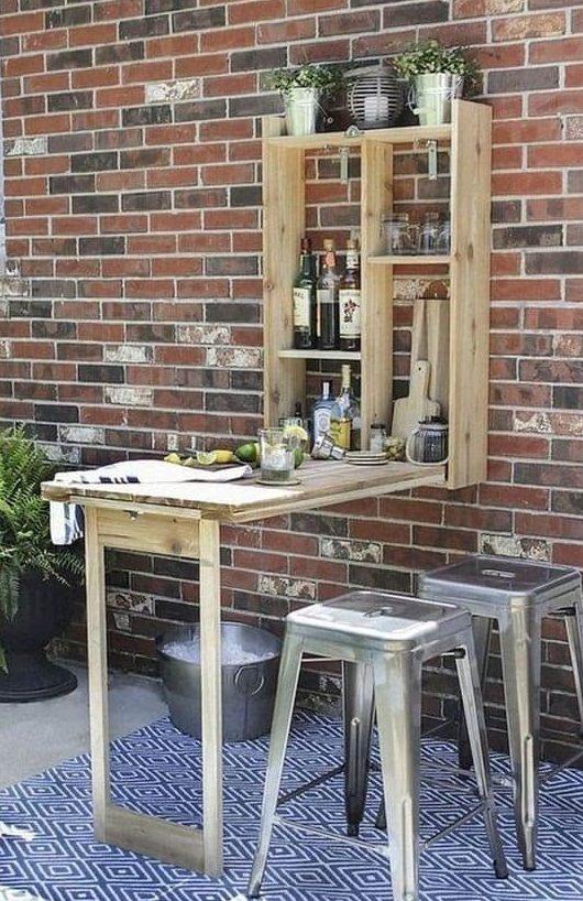 DIY small garden bar made from pallets
