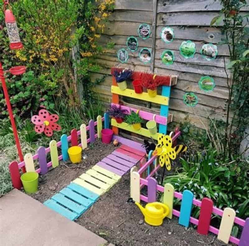 Kids gardening station made from old pallets