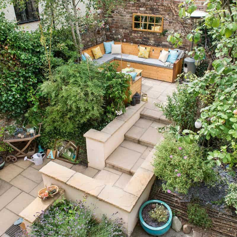 An urban garden setting surrounded with greenery and a peaceful environment