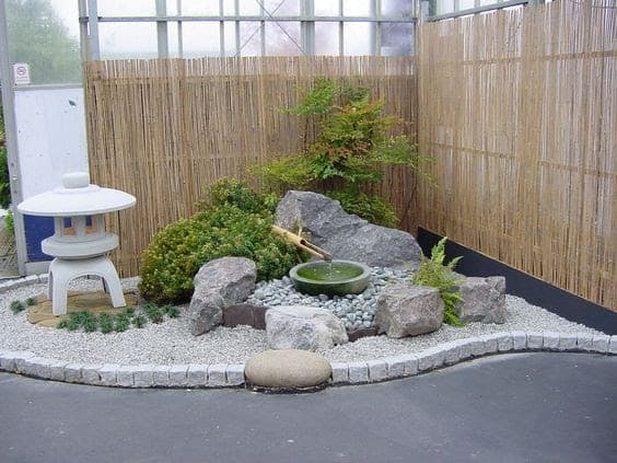 Small oriental corner