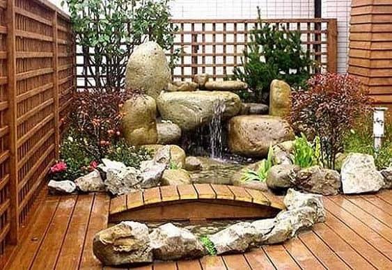 Minimalist wooden garden