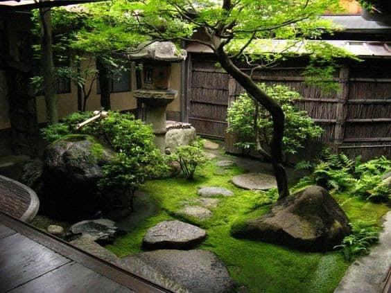 Cosy Japanese indoor garden