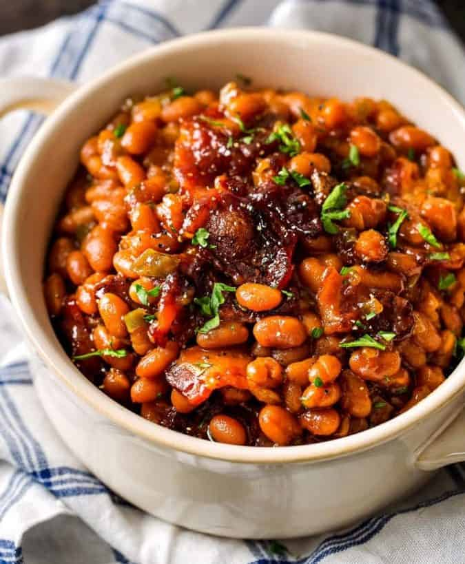 Baked beans with bacon toppings