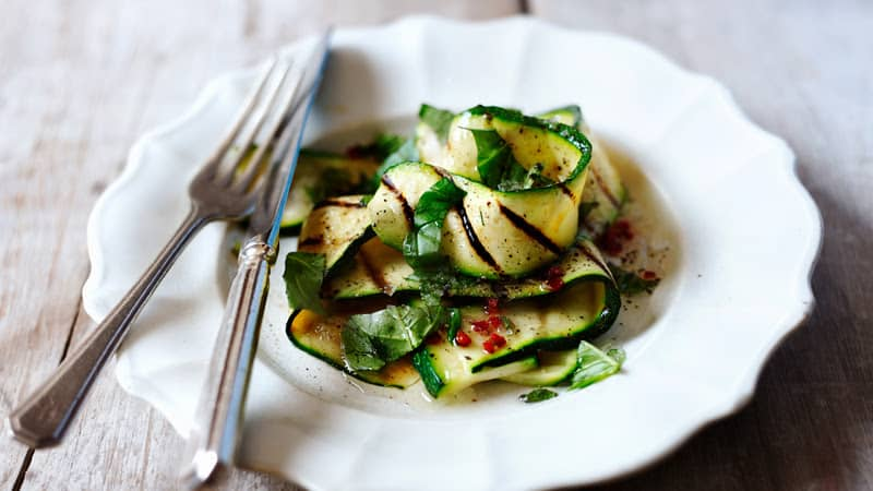 Grilled courgette salad