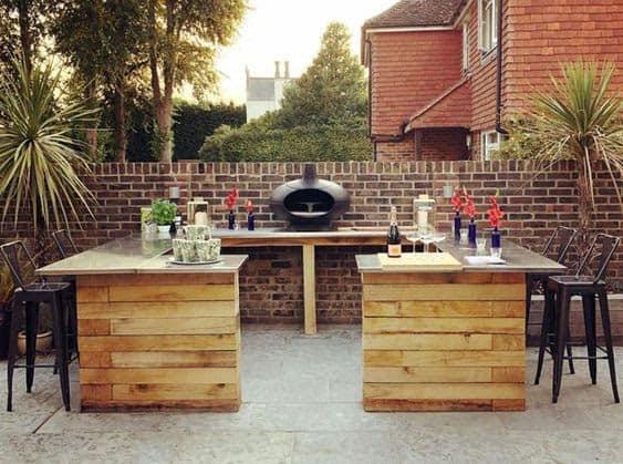 U-shaped stylish bar and BBQ
