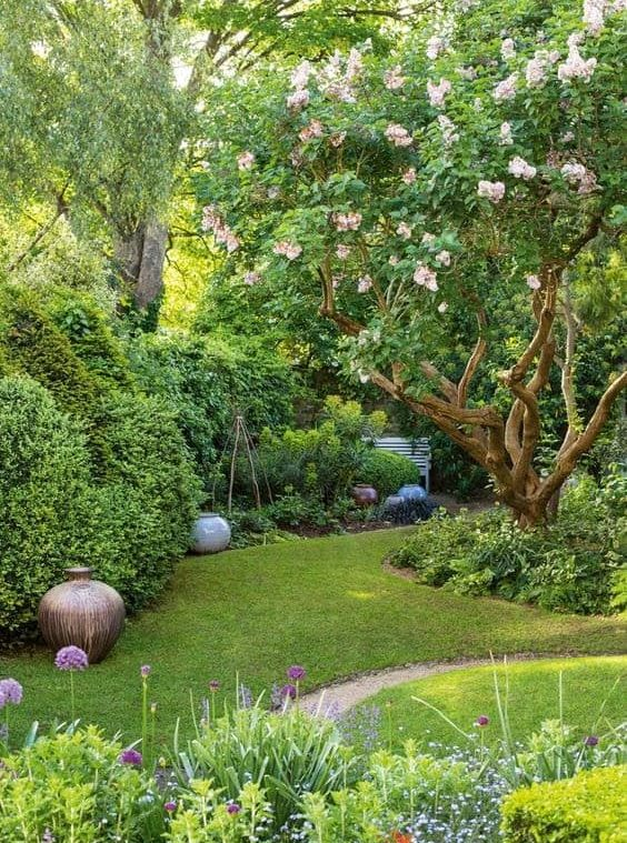 A small garden corner with tree