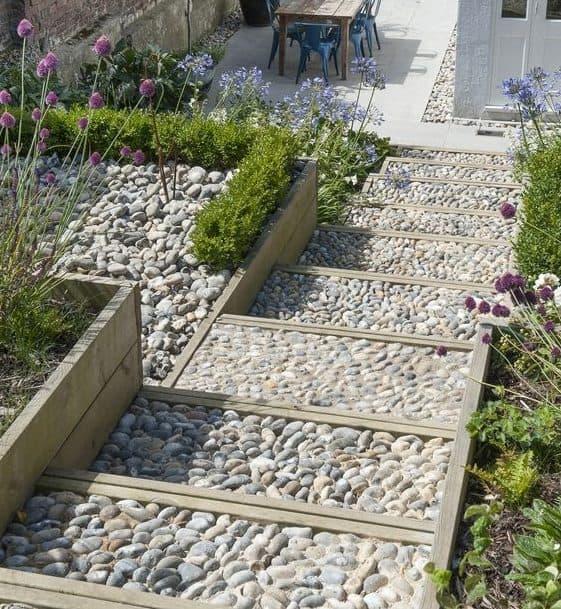 Pebble steps in slope garden