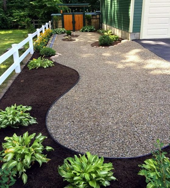 Pebble and dirt side yard