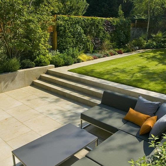 Sunken seating area in a patio