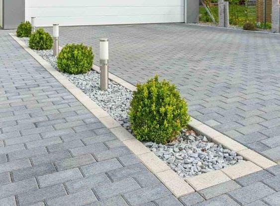 Rectangular driveway decor