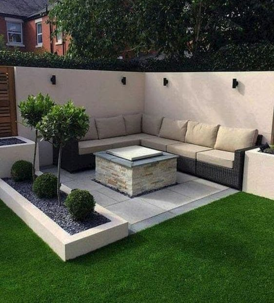 Corner with seating area and fire pit