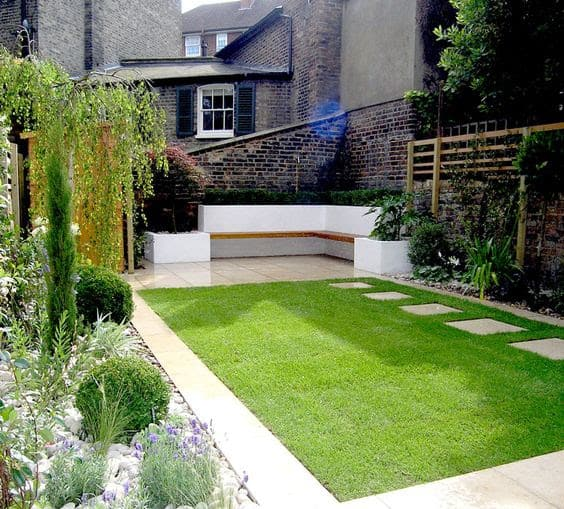 Garden bed with bench seating