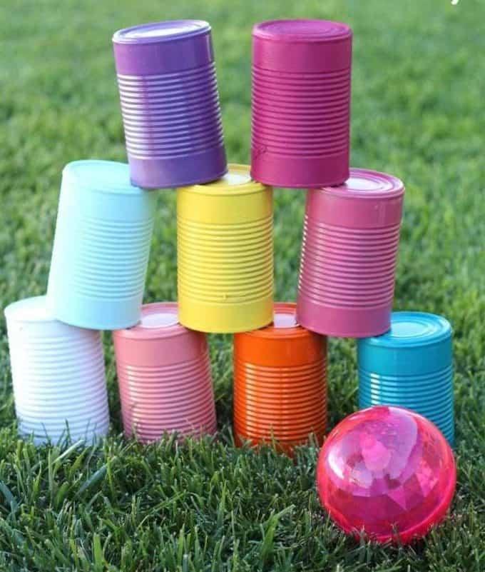 DIY colourful tin cans as an alternative bowling pins