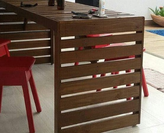 Outdoor bar countertop made from pallets