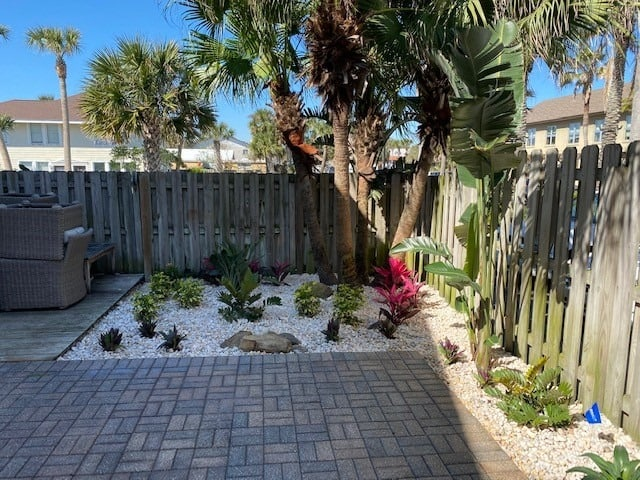 Coastal landscaping with white river rocks