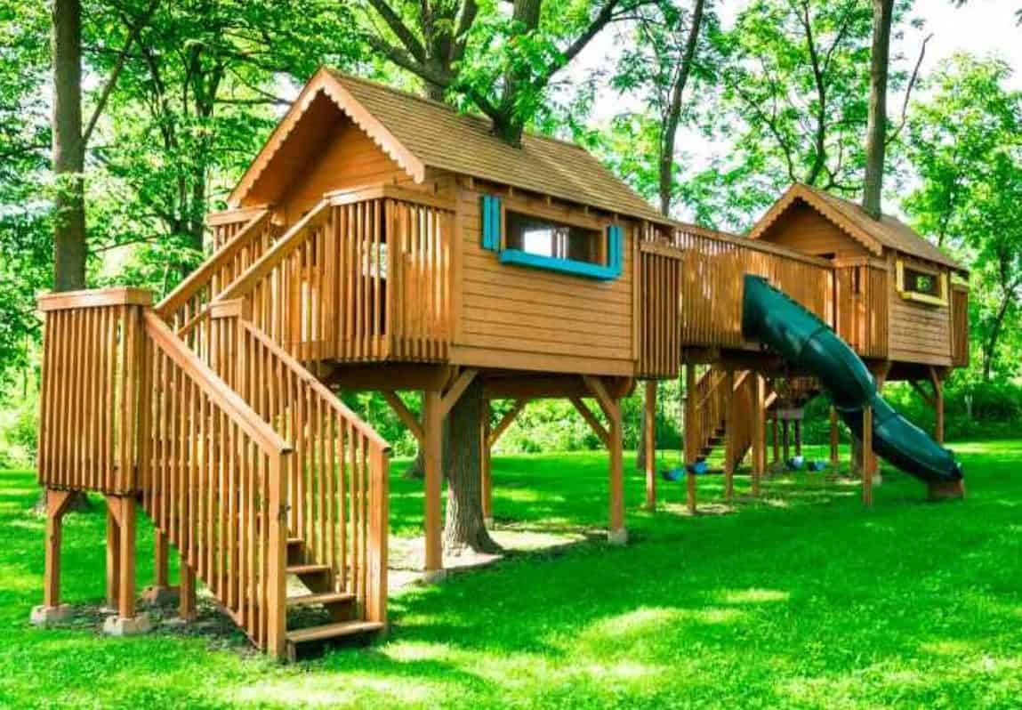 Treehouses with traditional design with modern style