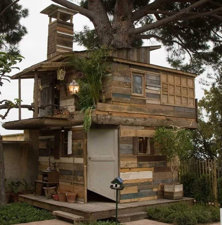 Treehouse made from reclaimed materials