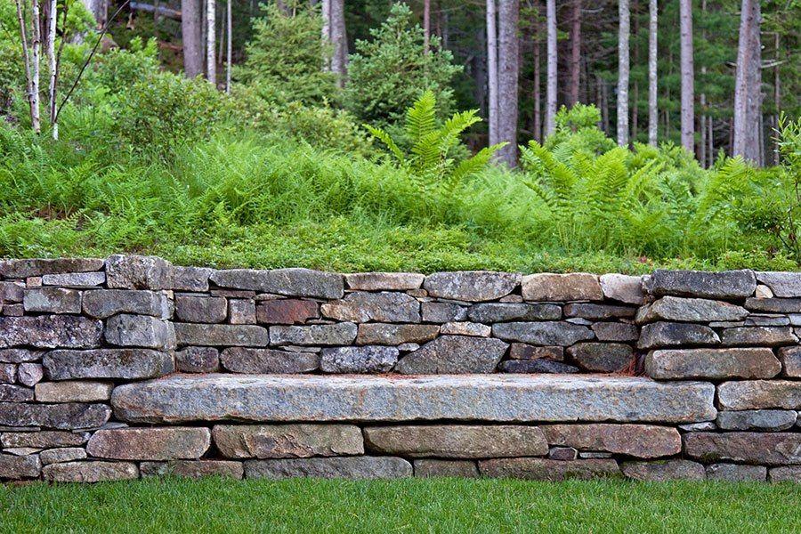 Stonewall garden bench