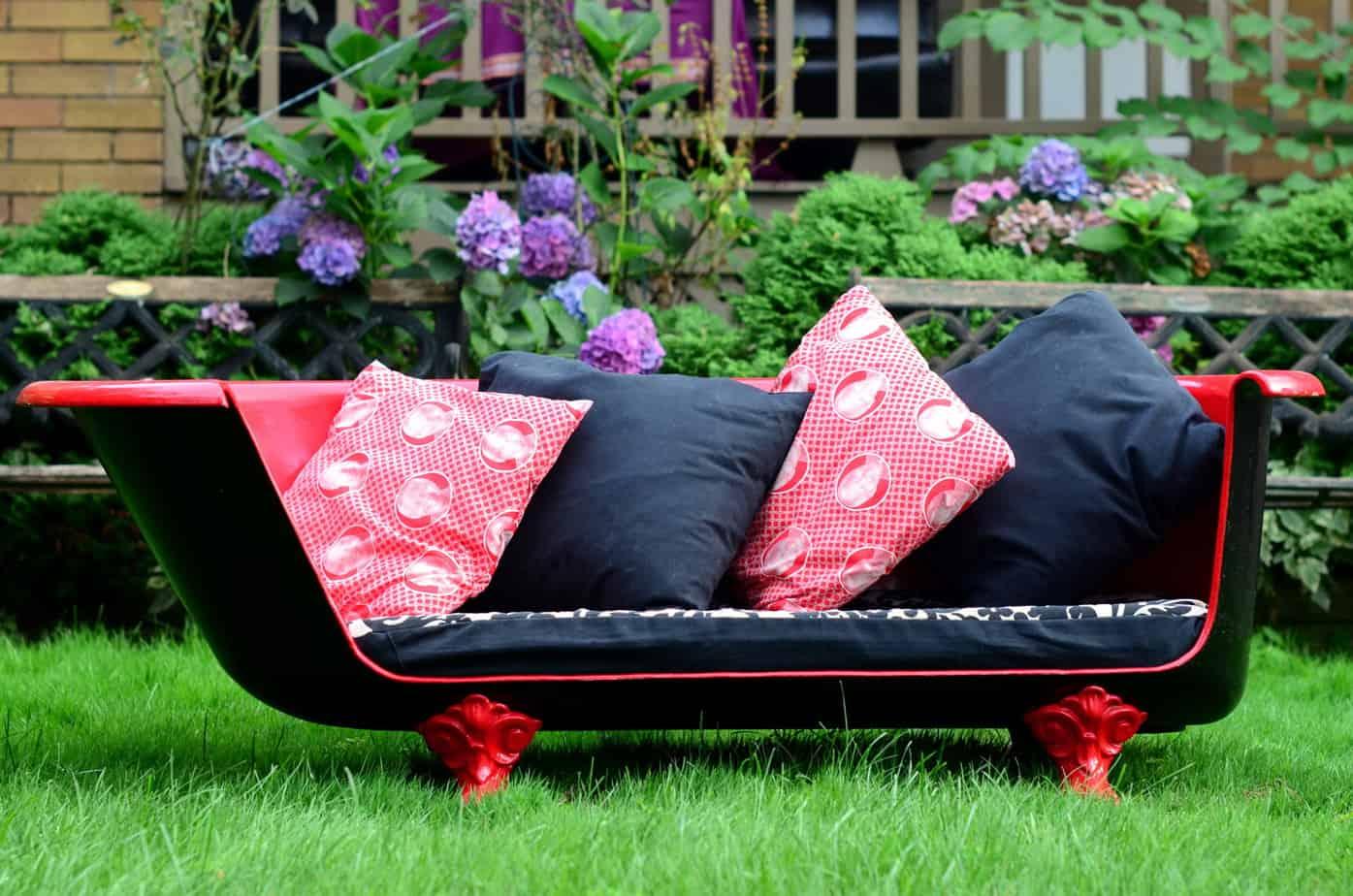 DIY bathtub garden bench